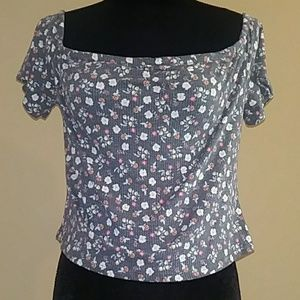 Size XL Middrift Top for Her